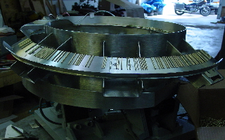 Length Sorting Feeder for assorted rivets and or bolts